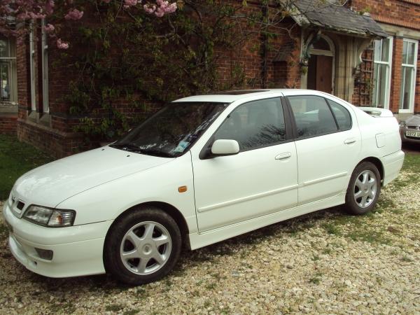 jalopies car collection 1999 t nissan primera 2 0 gt 4 door saloon arctic white
